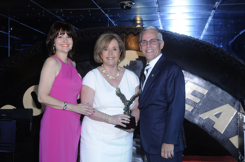 ArtesMiami President received the Royal Eagle Award